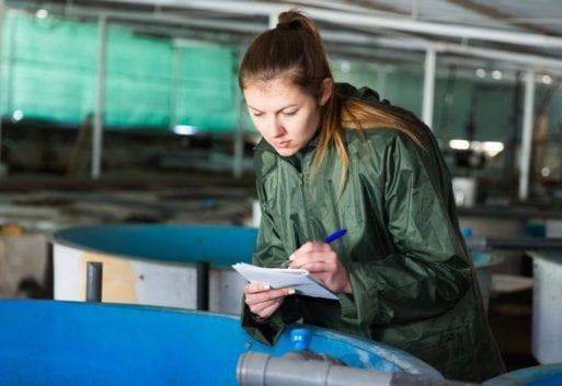 El mar no es solo cosa de hombres: mujeres en la acuicultura