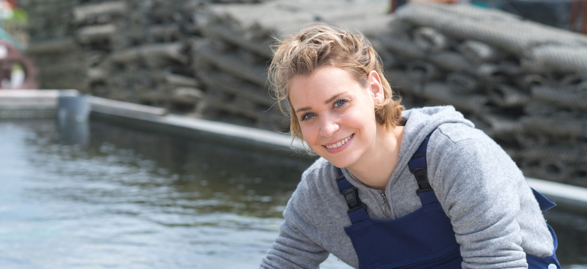 Mujer acuicultora